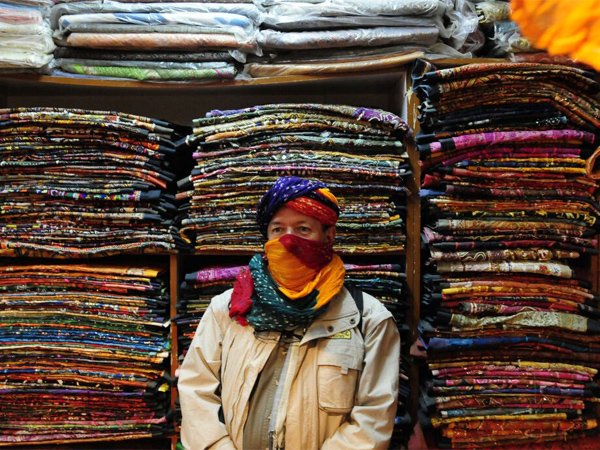 Tours-to-India-Delhi-textiles-markets-3