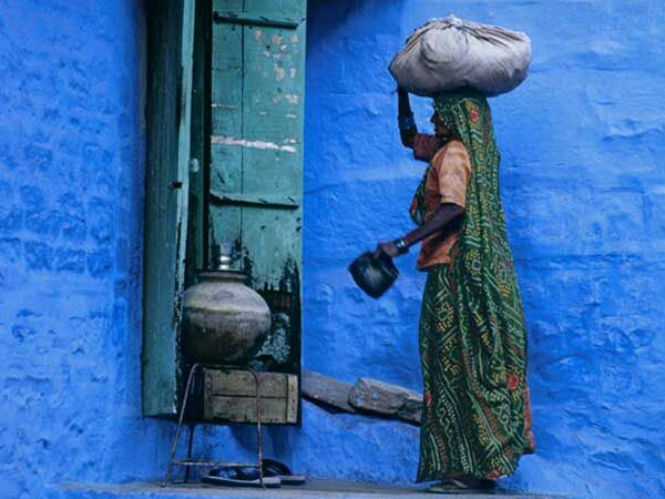 Tours-to-India-Jaipur-blue-clay-houses